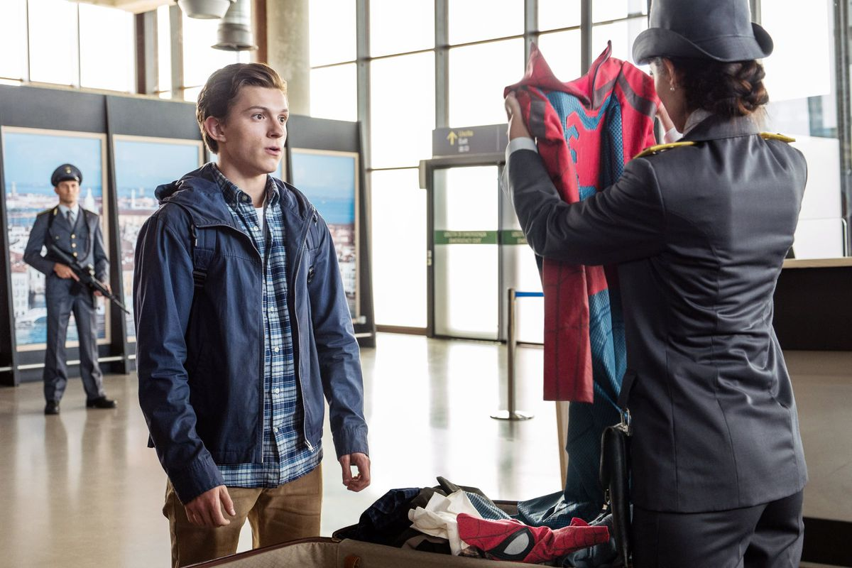 b85769d2e Peter Parker runs into some trouble at the airport in Spider-Man: Far From