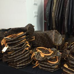 Louis Vuitton Speedys in various sizes