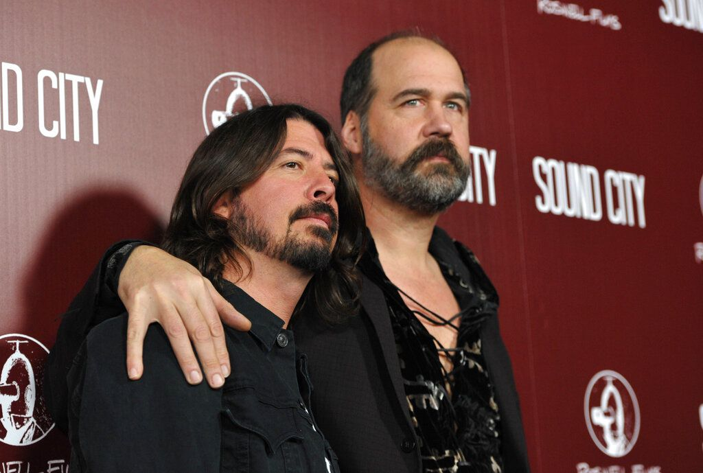 Krist Novoselic and Dave Grohl in Los Angeles.