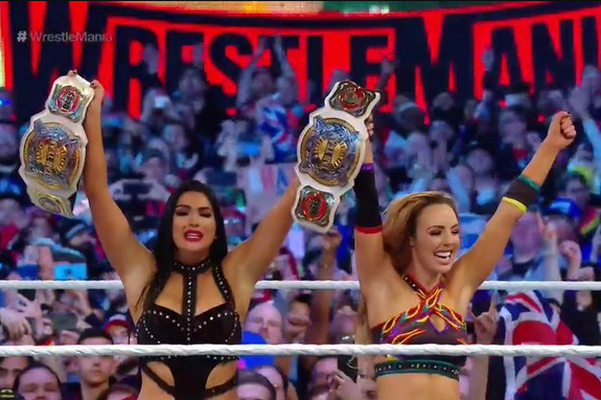 95e532fa0773b WrestleMania 35 results  The IIconics win WWE women s tag team titles. New  ...