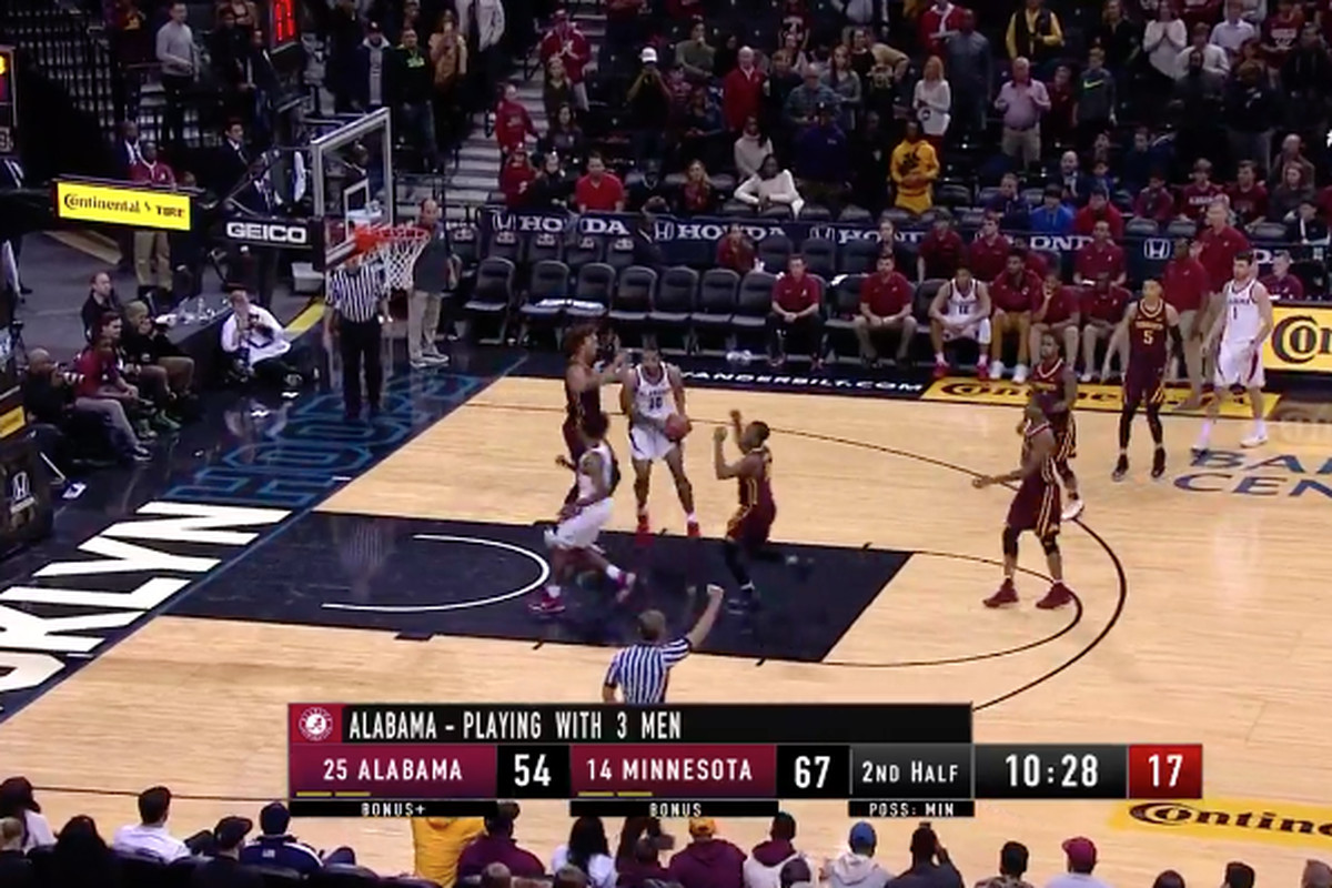 Alabama Basketball Had To Play With Only 3 Players After A Huge Fight And An Injury Sbnation Com