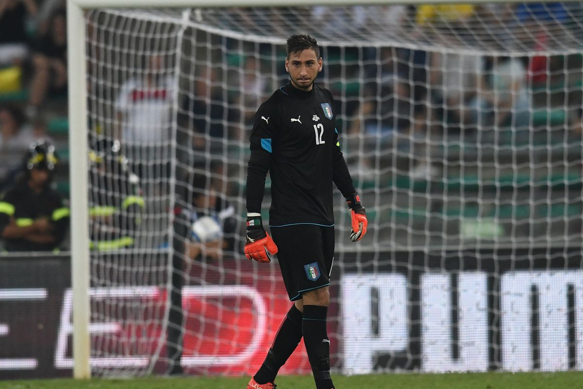 Donnarumma Earns High Praise As He Breaks Italy Record The Ac Milan Offside