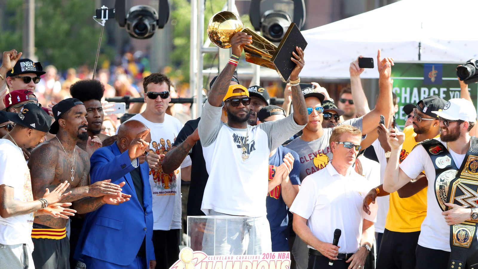 NBA Finals, Game 1 - Cavs vs. Warriors - Dawgs By Nature