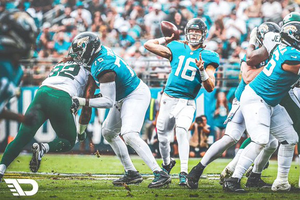 Nearly 1,000 Jaguars fans want to take the field to secure the tank and get Trevor  Lawrence - Big Cat Country