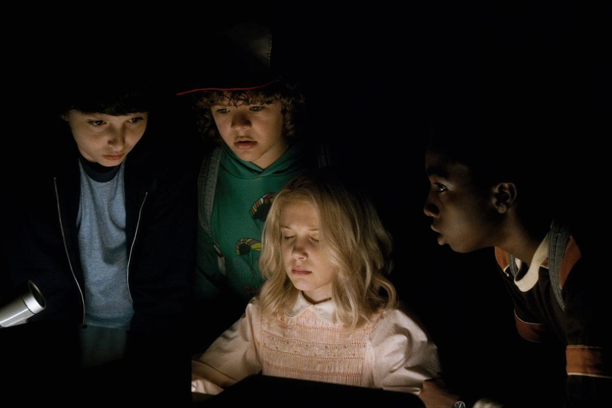 Stranger Things - boys and Eleven in radio room