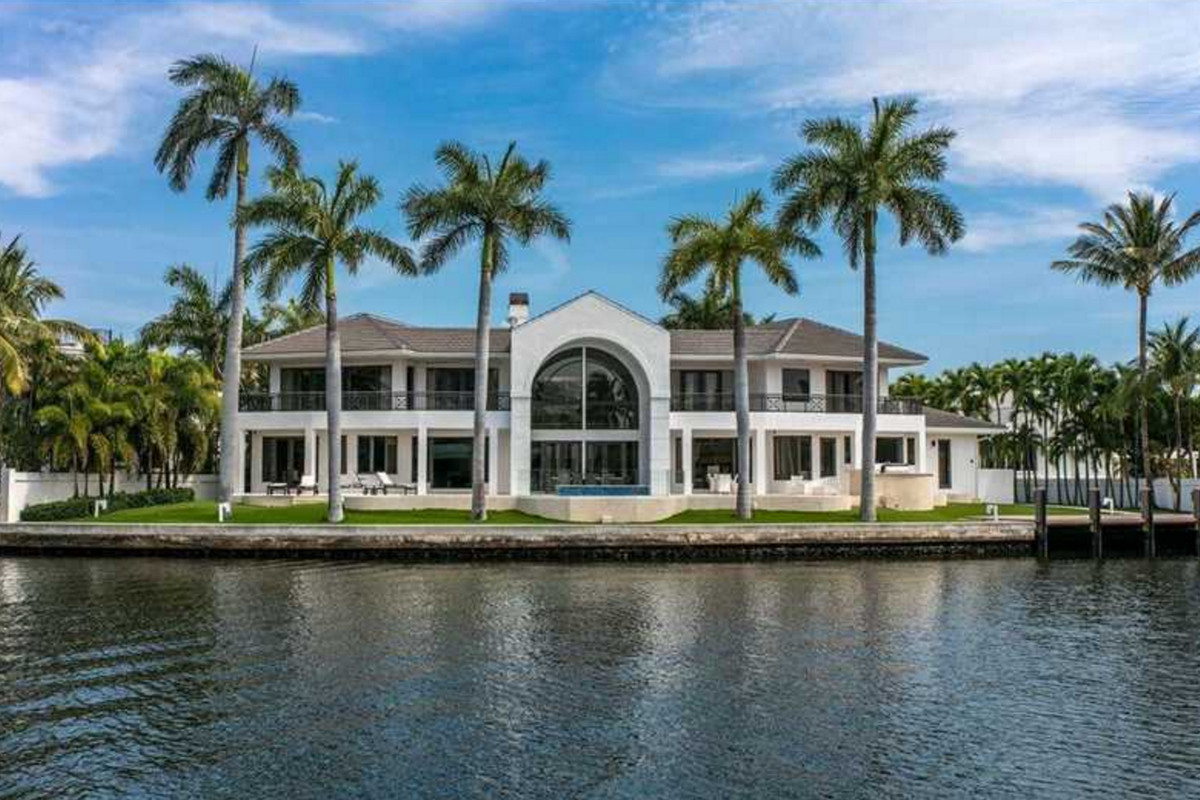 Gorgeous Golden Beach Home Lists For 13m Curbed Miami