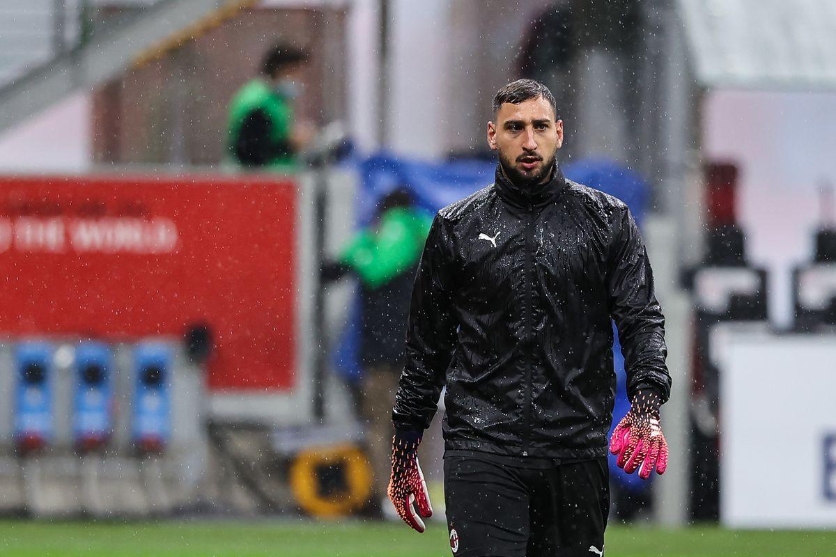 Gianluigi Donnarumma of AC Milan warms up during the 2020/21...