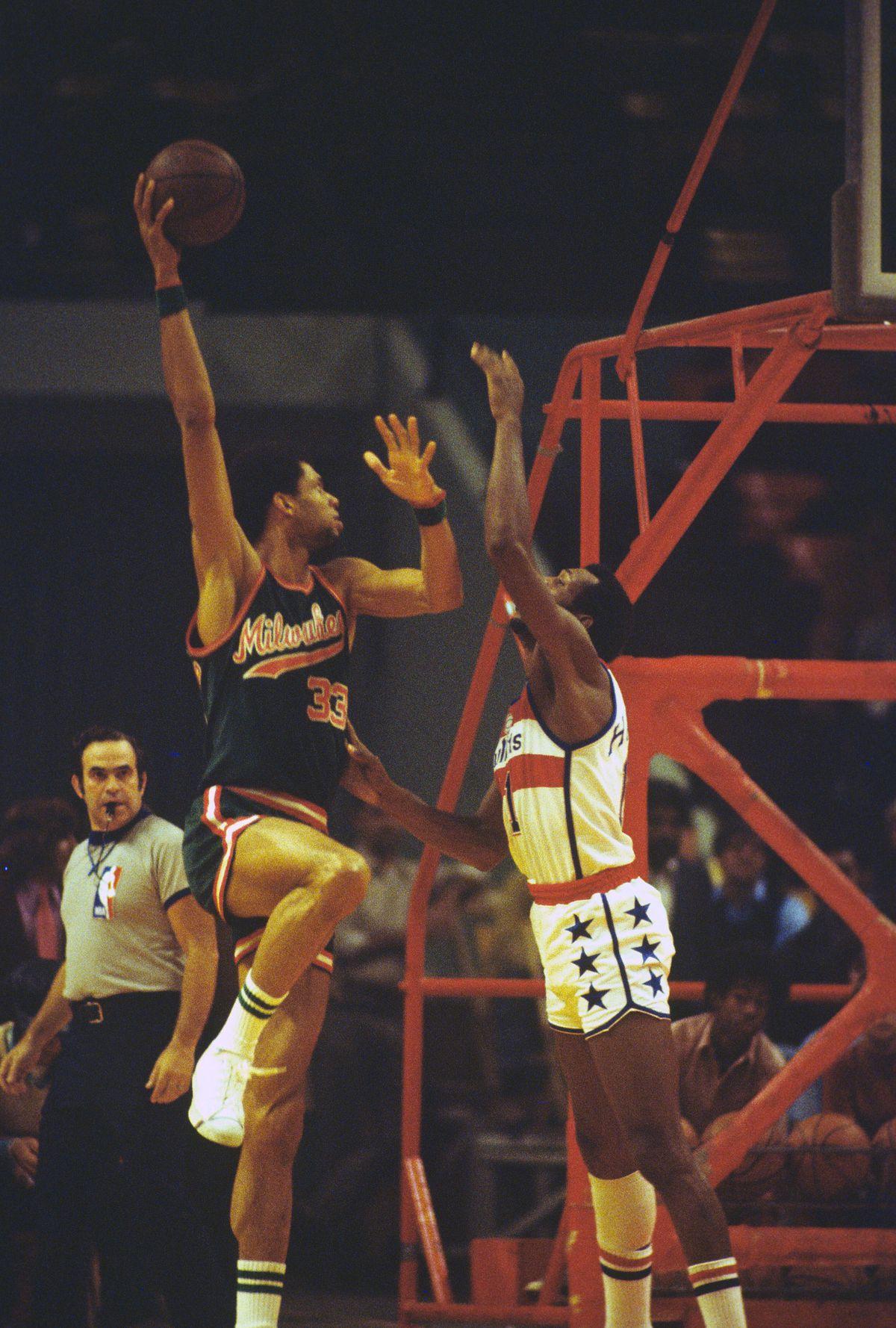 Milwaukee Bucks v Washington Bullets