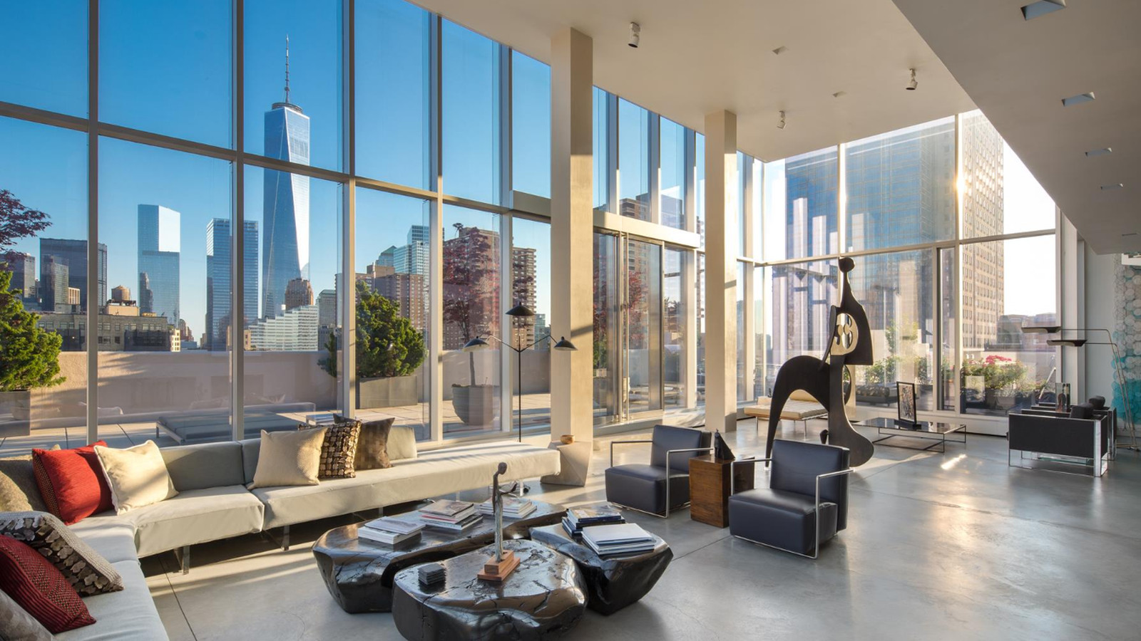 Tribeca s sky lofts penthouse returns now wants 45m for Penthouses for sale los angeles