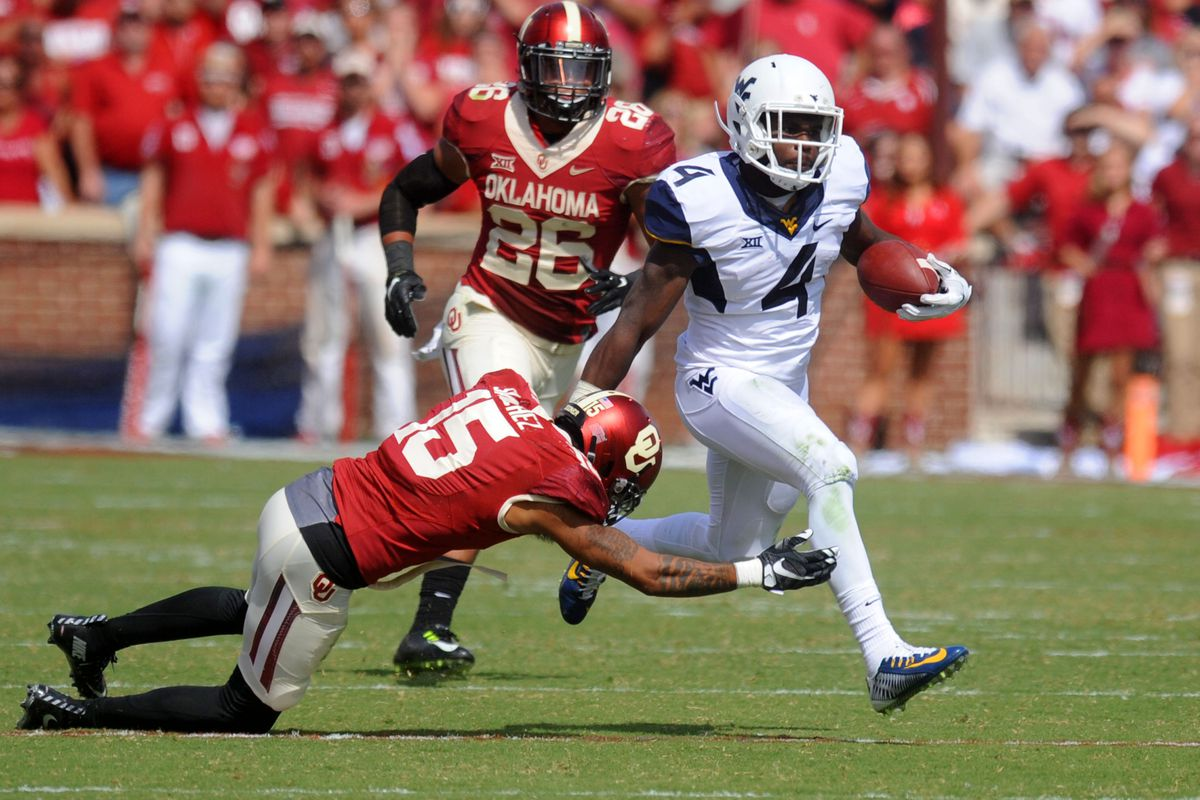 Wendell Smallwood carries a big stick in the running game.