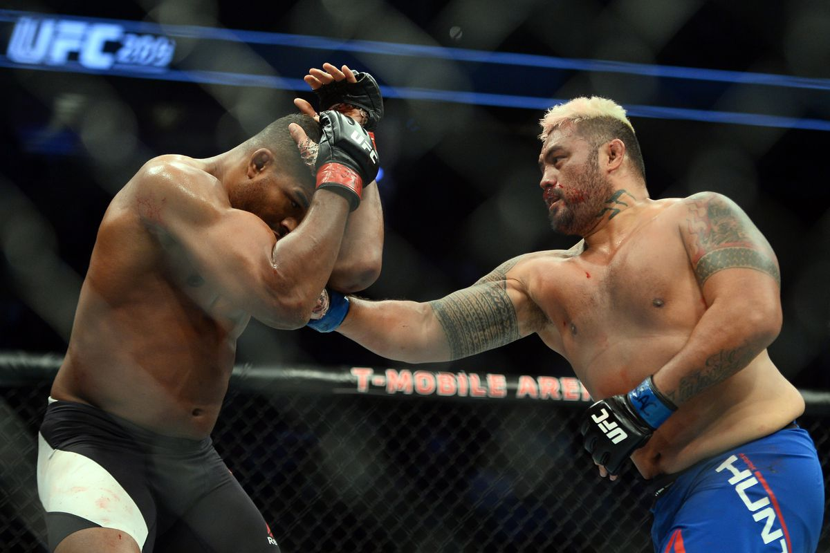 UFC Auckland Results: Mark Hunt Finishes Derrick Lewis In The Fourth