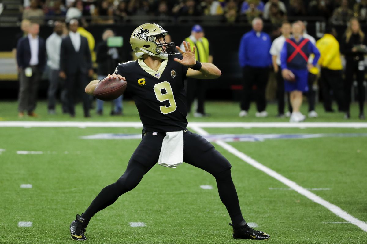 New Orleans Saints quarterback Drew Brees throws against the Carolina Panthers during the first half at the Mercedes-Benz Superdome.