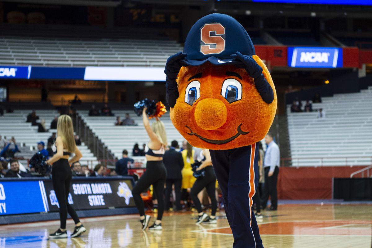 NCAA BASKETBALL: MAR 25 Div I Women's Championship - Second Round - South Dakota State v Syracuse