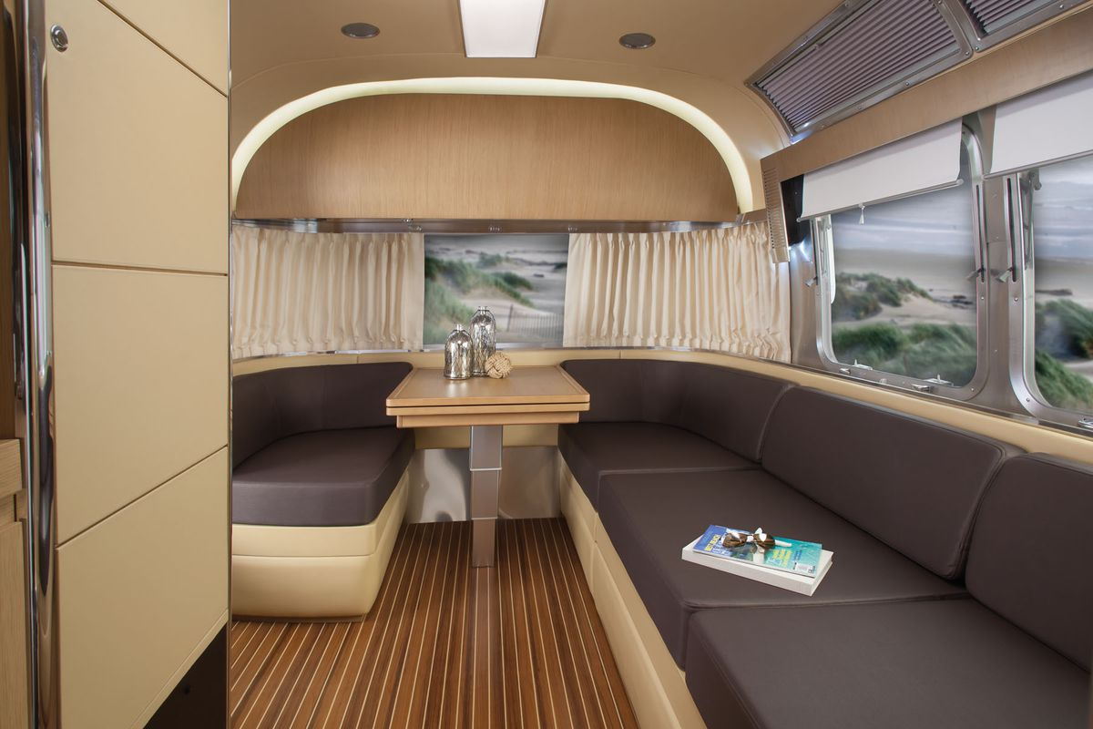 Airstream Basecamp For Sale >> Remembering Airstream's fanciest trailer: the Land Yacht - Curbed