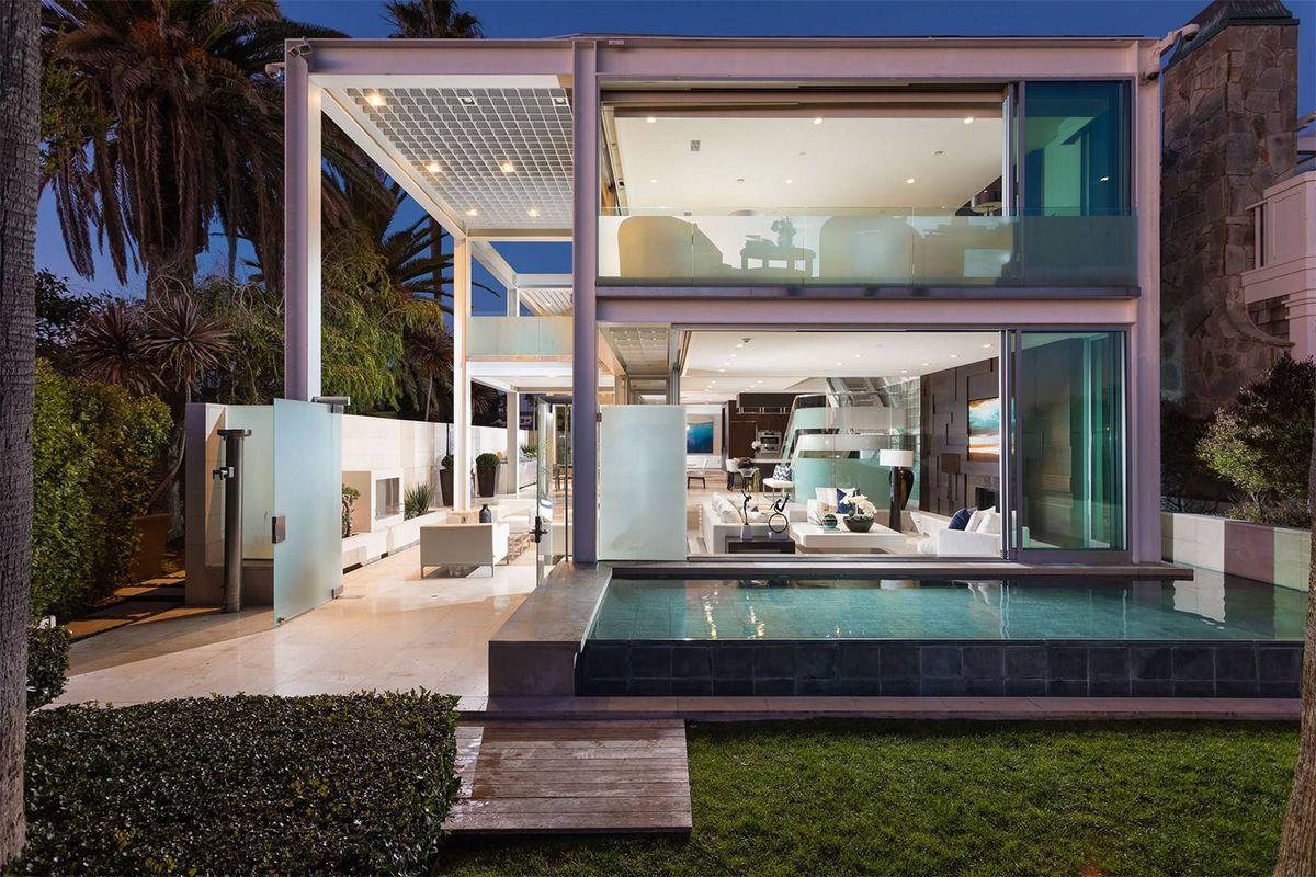 The Balboa Beach House Was Designed In 1988 By Architect Arthur Erickson Photos Via Sotheby S International Realty