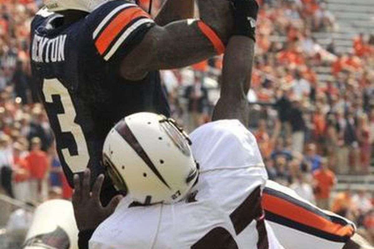 Can DeAngelo Benton finally have a break out year in 2012? (<em>photo:Hal Yeager, Birmingham News</em>)
