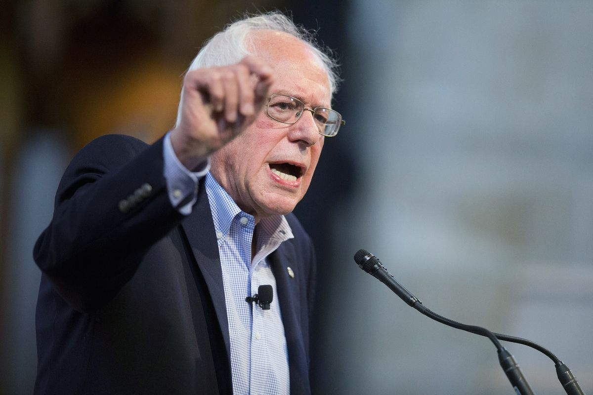 Democratic presidential candidate Senator Bernie Sanders (I-VT) speaks to guests at an event sponsored by Institute of Politics at the University of Chicago on September 28, 2015, in Chicago, Illinois.