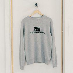 "Soulland 'Peci' sweatshirt, <a href=""http://swords-smith.com/products/soulland-peci-sweatshirt"">$135</a>"