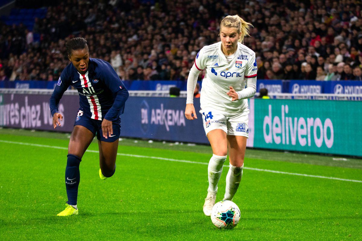 Olympique Lyonnais v Paris Saint-Germain - Division 1