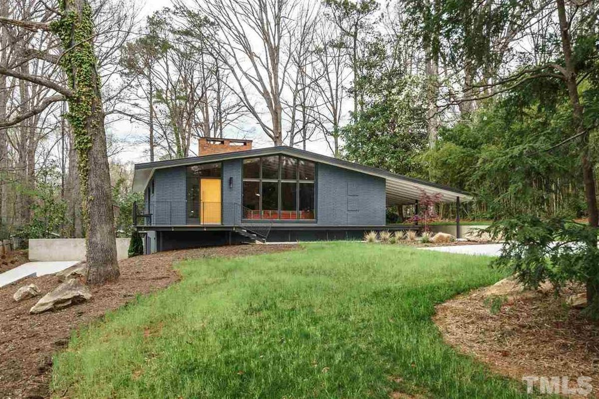 Renovated midcentury in north carolina asks 975k curbed for Carolina house raleigh nc