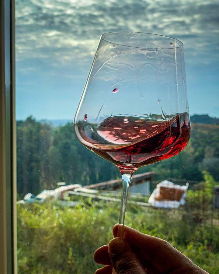 Attimo Wine