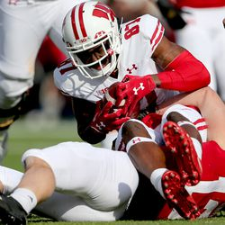 Quintez Cephus finishes his important catch on 4th down, resulting in a 1st down. The Badgers would go on to convert a field goal to finish this 2nd quarter drive.