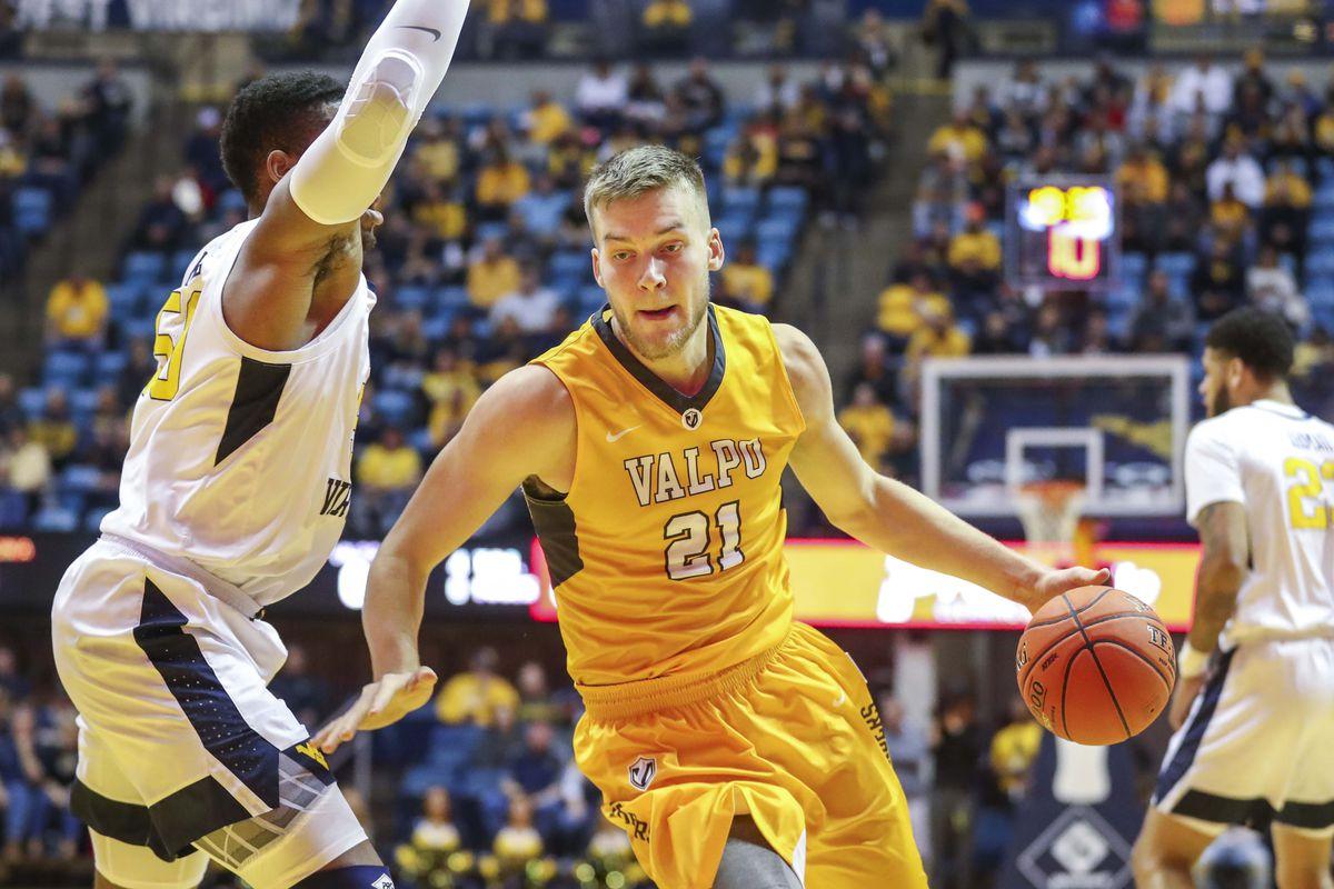 NCAA Basketball: Valparaiso at West Virginia