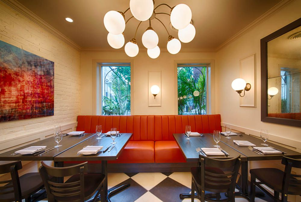 The design for Spike Mendelsohn's steak frites place was pure French chic. [Photo: R. Lopez]