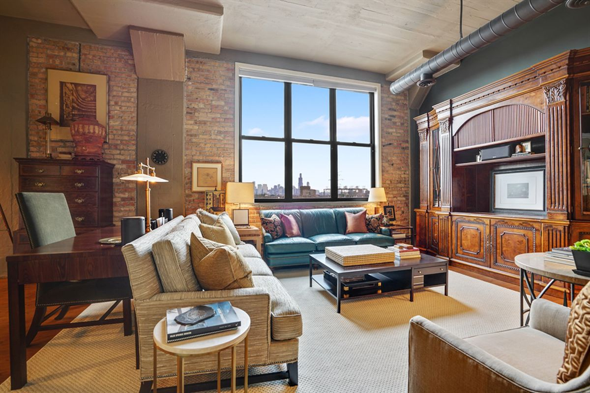 Two bedroom industrial loft in old west town paint factory lists for 465k - Loft new yorkais deco ...