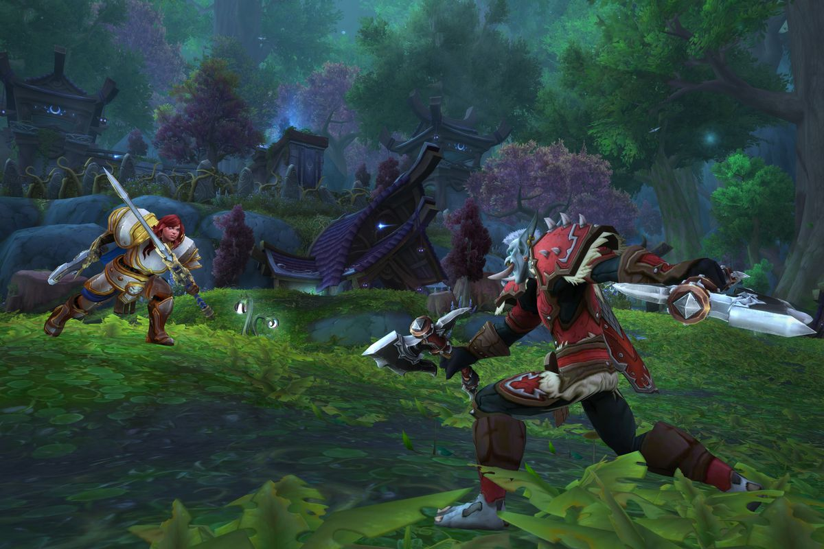 World of Warcraft - a Kul Tiran Warrior and a Zandalari rogue clash in the forest of Warsong Gluch