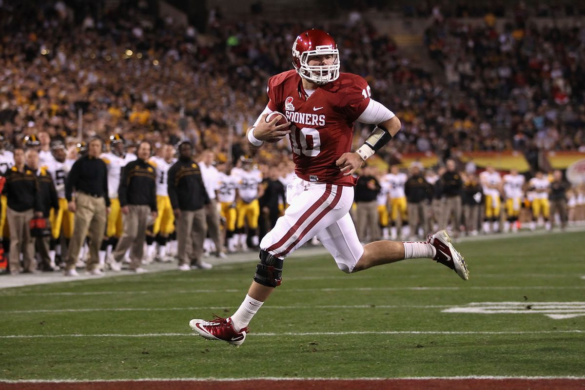 Insight Bowl MVP Blake Bell rushed for two yards and completed one pass in last year's spring game. (Photo by Christian Petersen/Getty Images)