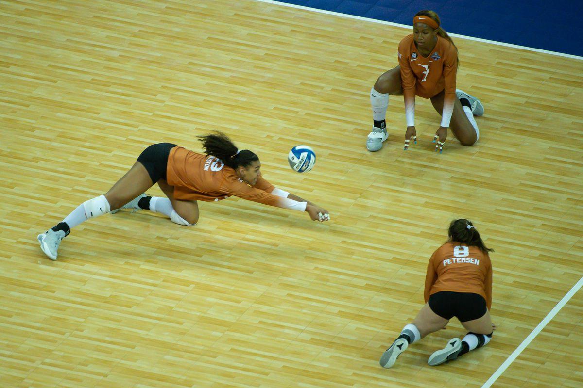 NCAA Volleyball: Women's Volleyball Championship-Kentucky vs Texas