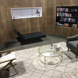 A replica of Dr. Melfi's office was built by SopranosCon cocreator Joe Fama for the event
