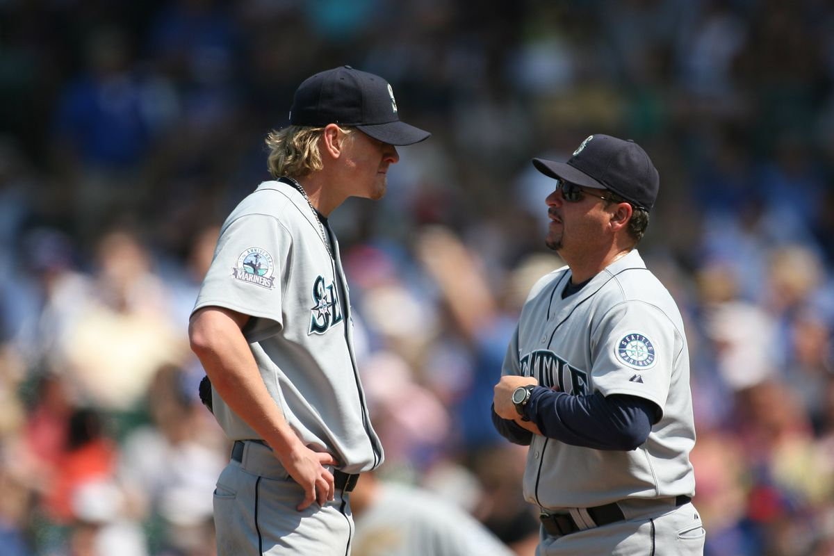 Rafael Chaves, right, here with Jeff Weaver with the Mariners in 2007, was in the Dodgers organization for six years.