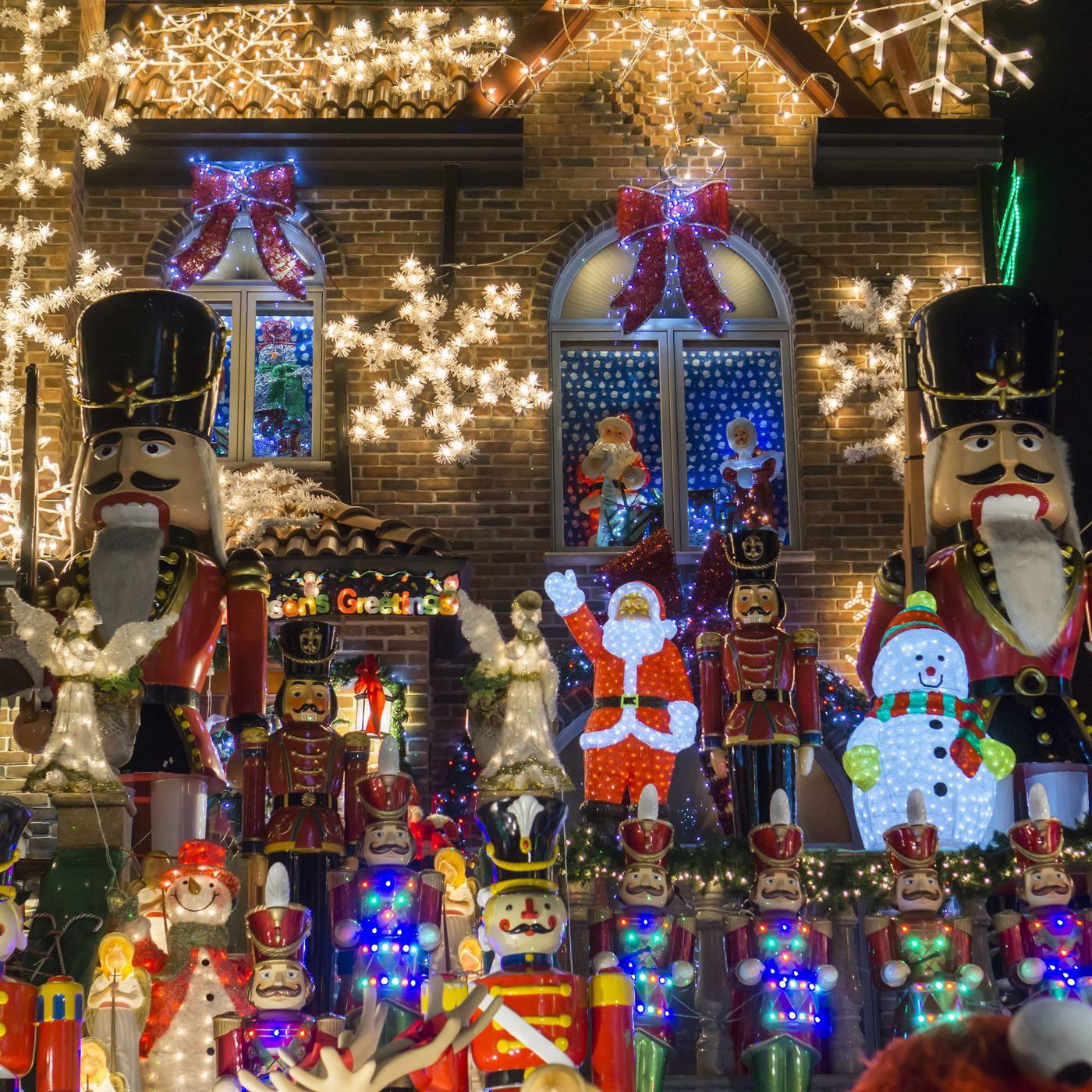 this annual christmas lights show gets bigger every year curbed