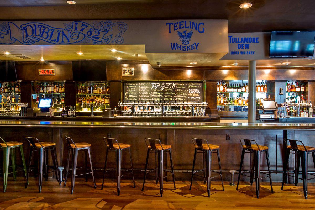 Sweeney's Ale House, Encino