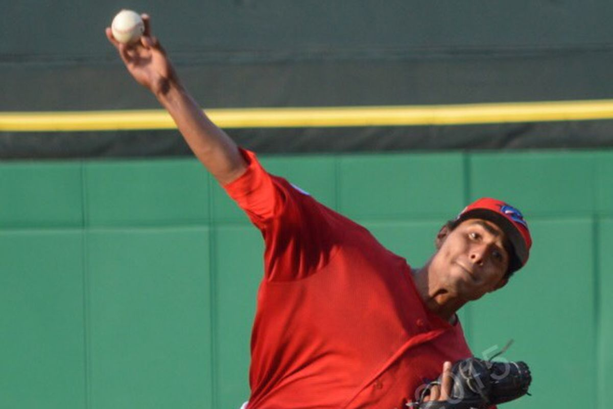 Ricardo Pinto pitching for the Clearwater Threshers