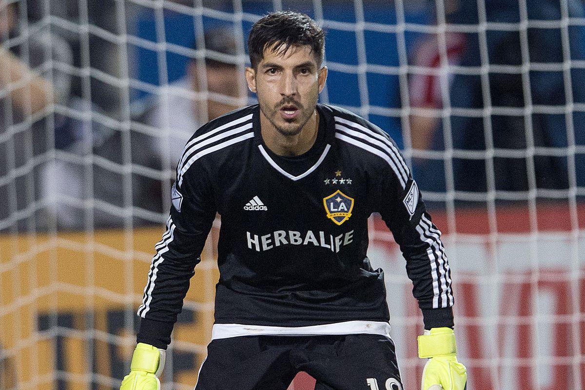 Former LA Galaxy GK Jaime Penedo signs contract with Costa Rica's Saprissa