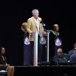 Brett Favre speaks during the enshrinement ceremony