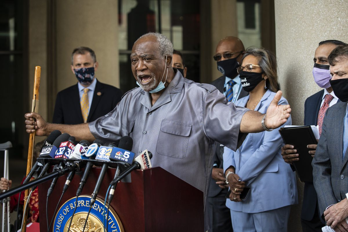 Flanked by other members of the Illinois congressional delegation, U.S. Rep. Danny Davis (IL-07) speaks about the importance of the United States Postal Service during a press conference outside the USPS Chicago Headquarters, 433 W. Harrison St.,Tuesday morning, Aug. 18, 2020.