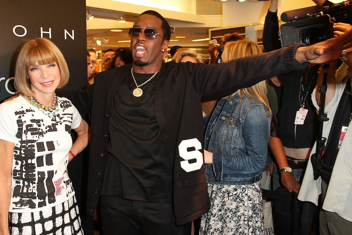 Happier times: Anna Wintour and P Diddy celebrating FNO in 2010