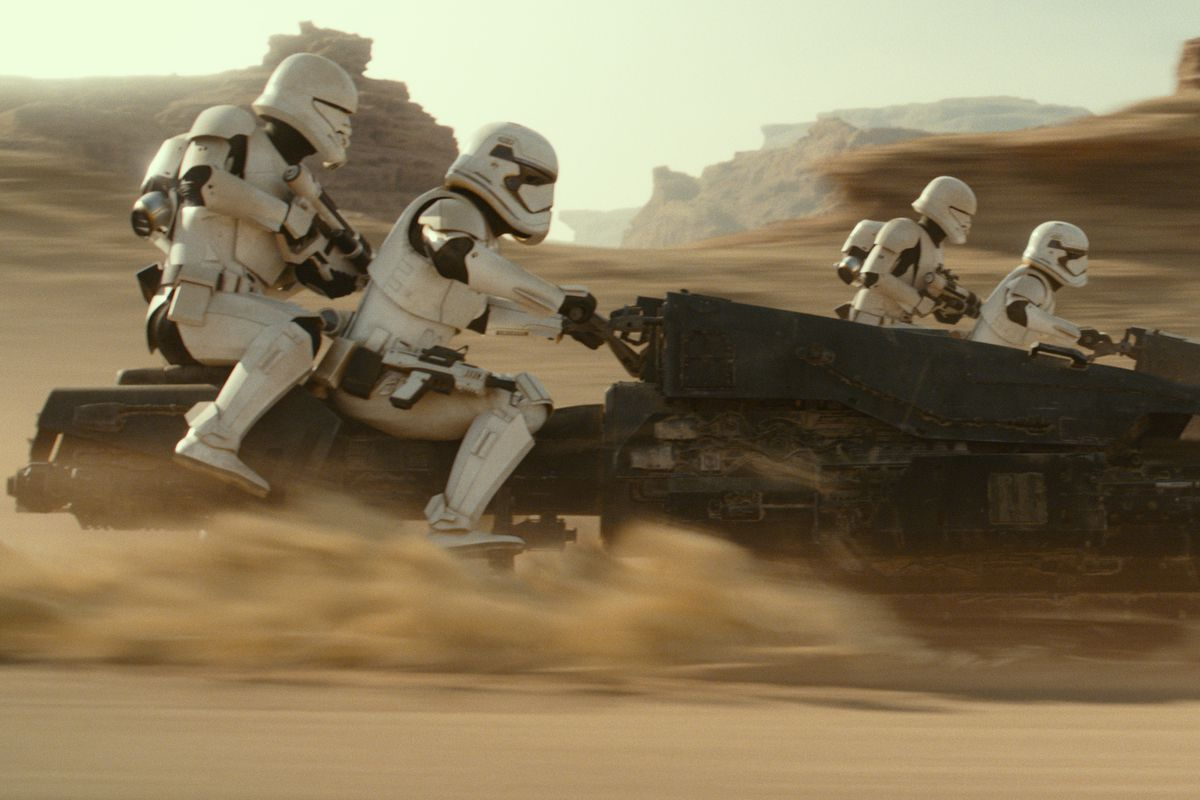 Stormtroopers in Star Wars: The Rise of Skywalker ride heavy speeders in a desert chase.