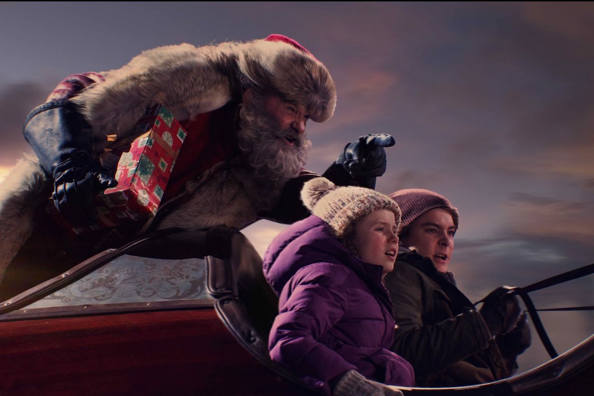 Who Wrote White Christmas.The Christmas Chronicles Review Netflix S New Santa Can Get
