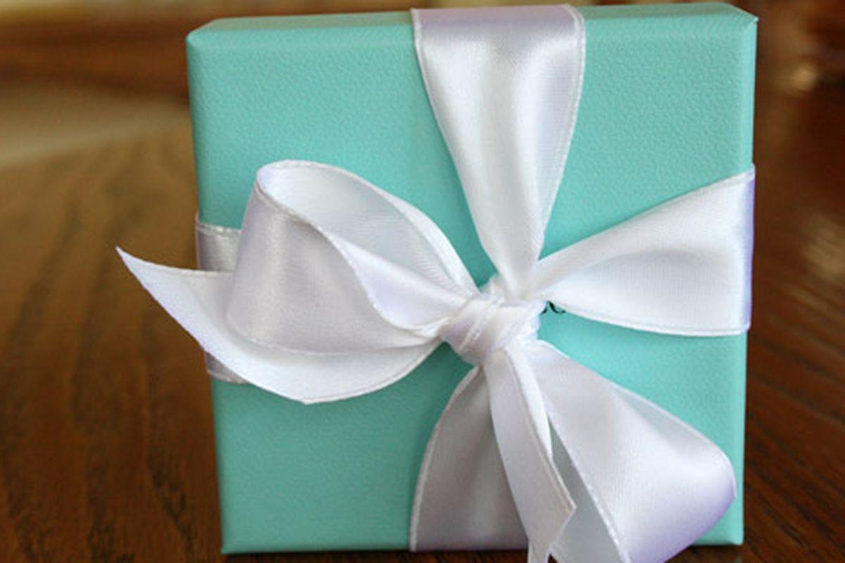 "Tiffany box via <a href=""http://www.flickr.com/photos/jillclardy/2524677256/"">Jill Clardy</a>/Flickr"