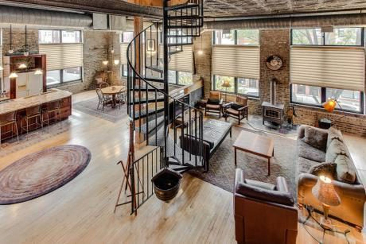Rent This Really Neat Furnished Pilsen Loft For 1 750