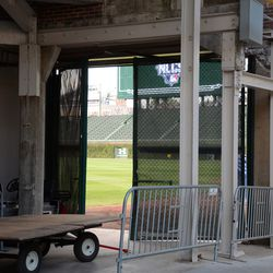 4:40 p.m. The only view into the ballpark, at Gate R -