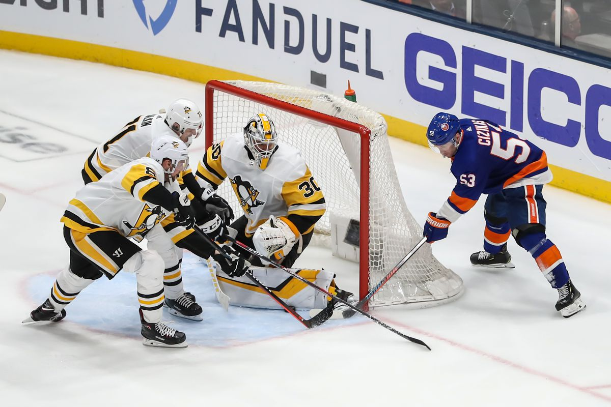 NHL: APR 12 Stanley Cup Playoffs First Round - Penguins at Islanders