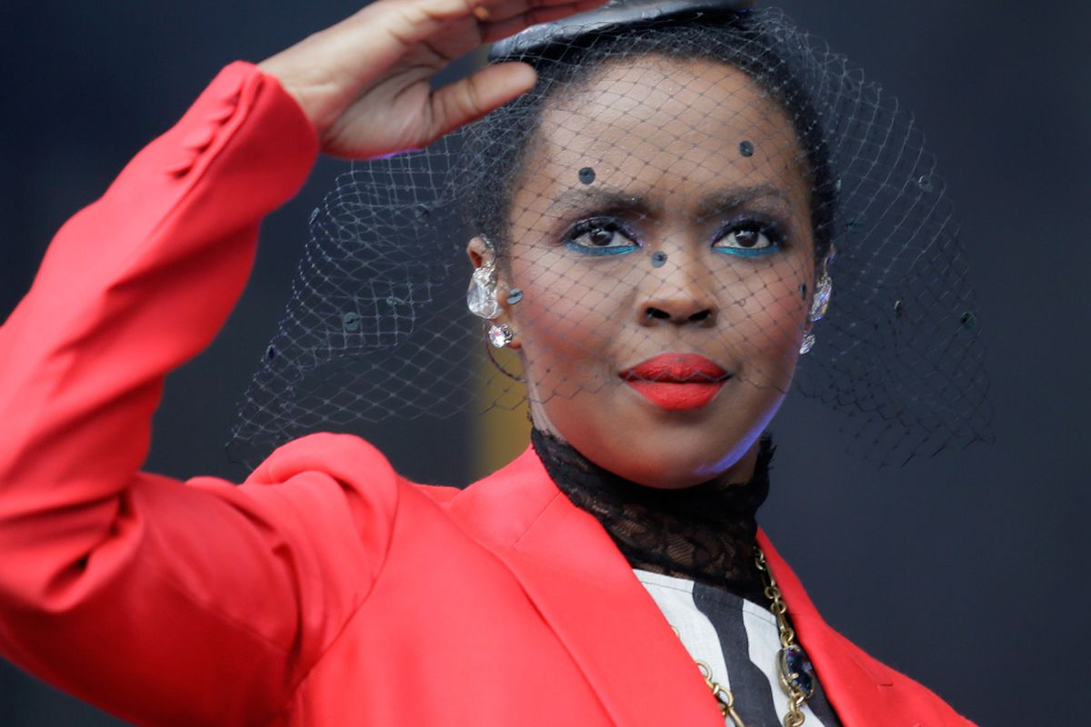 Lauryn Hill promises a makeup for fans after short Atlanta show - Chicago  Sun-Times