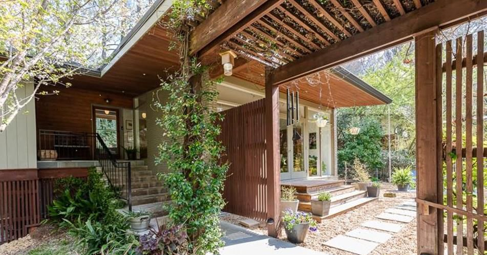 Atlanta Architect S Midcentury Modern Retreat Asks 645k Fetches Contract In Days Curbed Atlanta