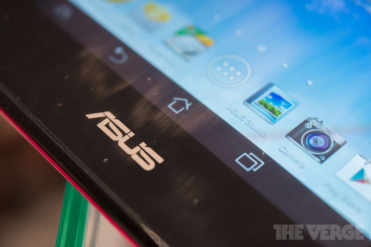 Asus hopes new Chromebooks, smartphones, and wearables will